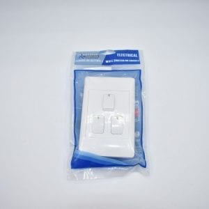 ESW003 White 3 Lever Switch 2x4